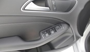 Mercedes Benz B180d Urban 5p cheio